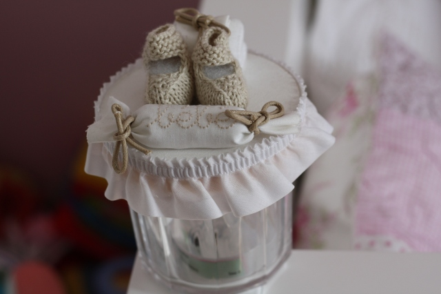 La petite boîte dans laquelle je garde le bracelet de naissance de Moutarde